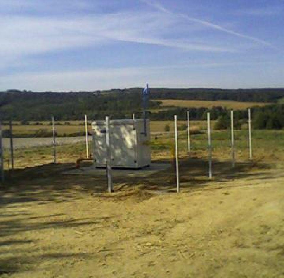 Nyomásszabályozó állomások építése (Pécs-Mohácsi út, Görcsönydoboka, Nagykozár, Bogád, Somberek)