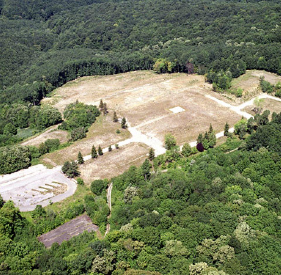 2001. - IV. számú bányaüzem és meddőhányó tájrendezése